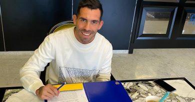 Tevez, finalmente, firmó su contrato con Boca